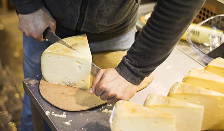 Pazarda satılan peynirler tehlikeli mi?
