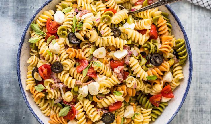 Zeytinli Makarna Salatası Tarifi